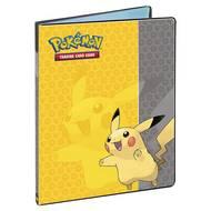 0074427845544 - Asmodée - Cahier Ranges Cartes 180 cartes Pikachu