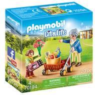 4008789701947 - PLAYMOBIL® City Life - Petite fille et grand-mère