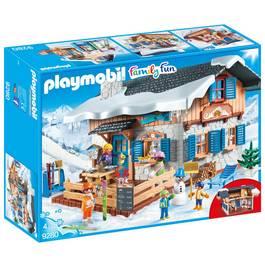 PLAYMOBIL® Family Fun Chalet avec skieurs