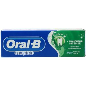 Oral B complete Dentifrice Fraîcheur intense à la menthe verte et aux extraits de plantes.