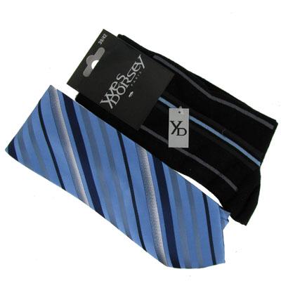 Lot de chaussettes rayures fines fuchia et cravatte rayures bleu