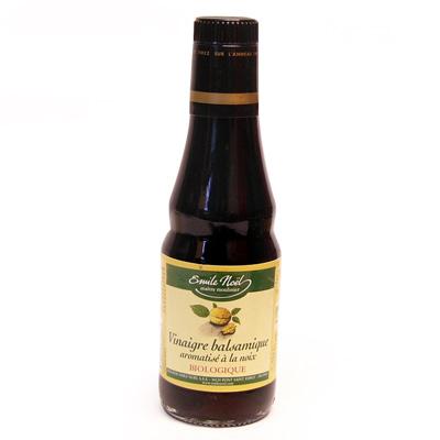 Vinaigre basalmique aromatise a la noix, bio