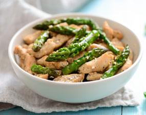 Salade d'asperges au poulet fumé